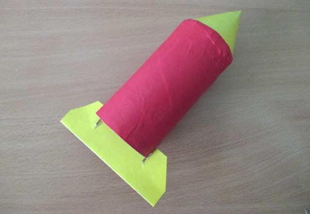 бумажная ракета