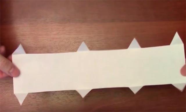 лист с уголками