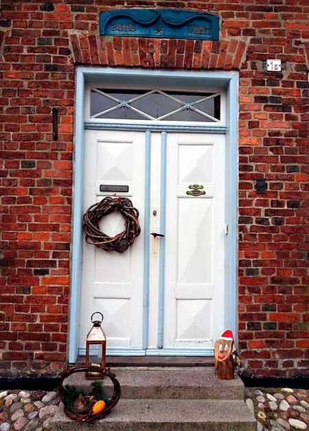 композиция на дверь
