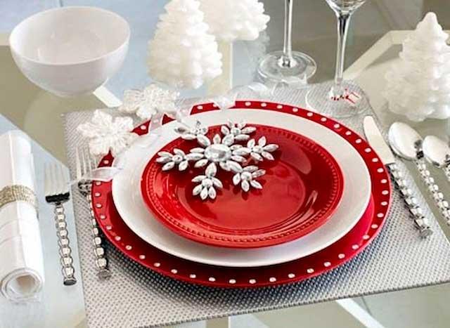 снежинка на тарелке