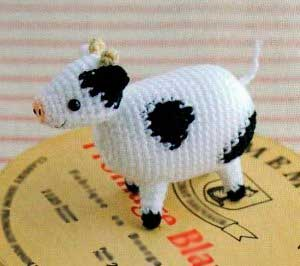 вязаная корова буренка